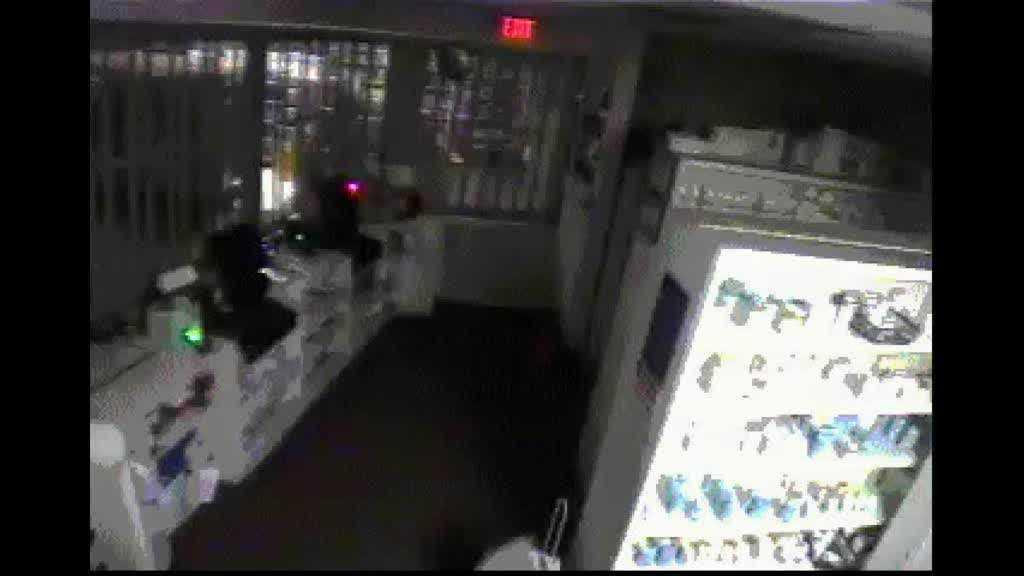 img-Police investigate early morning pharmacy burglary