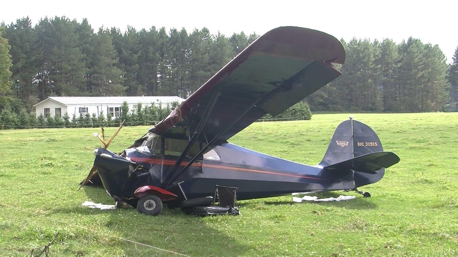 09-01-13 Small plane crashes, 2 hurt - img