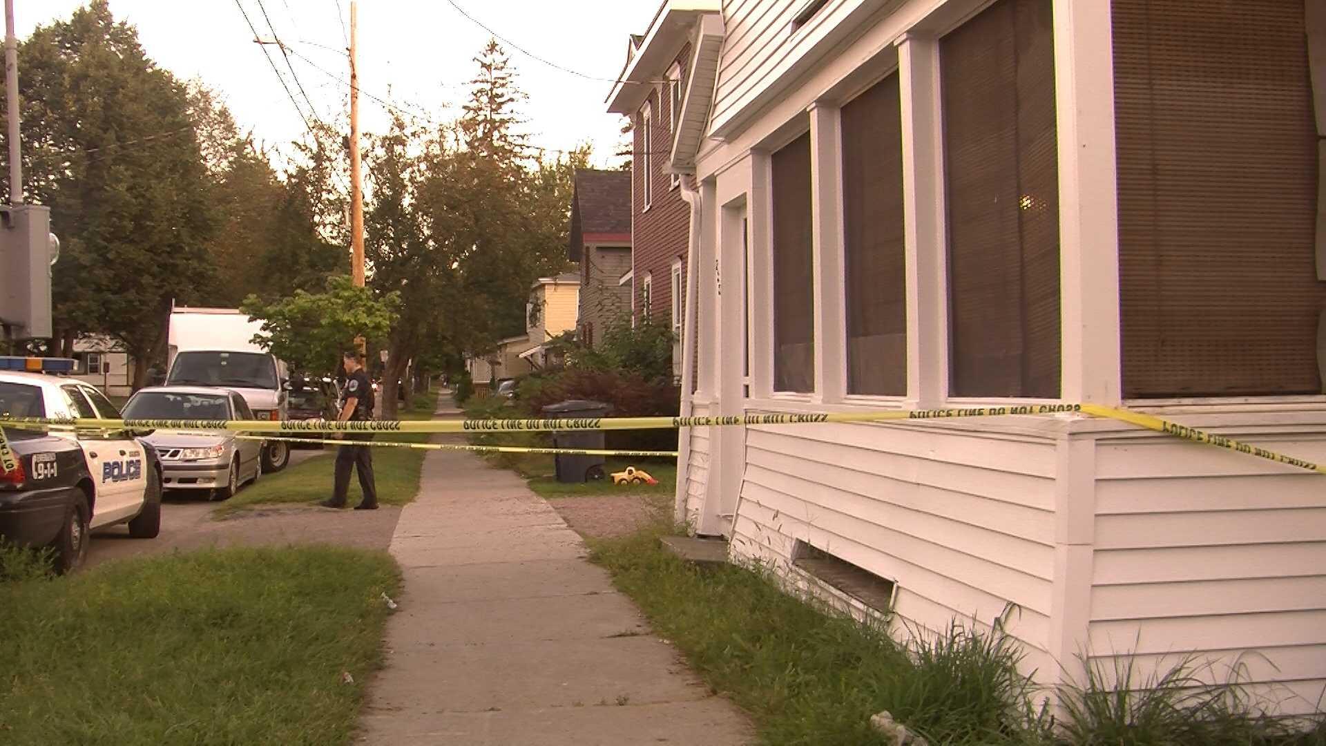 09-01-13 Police investigating stabbing - img