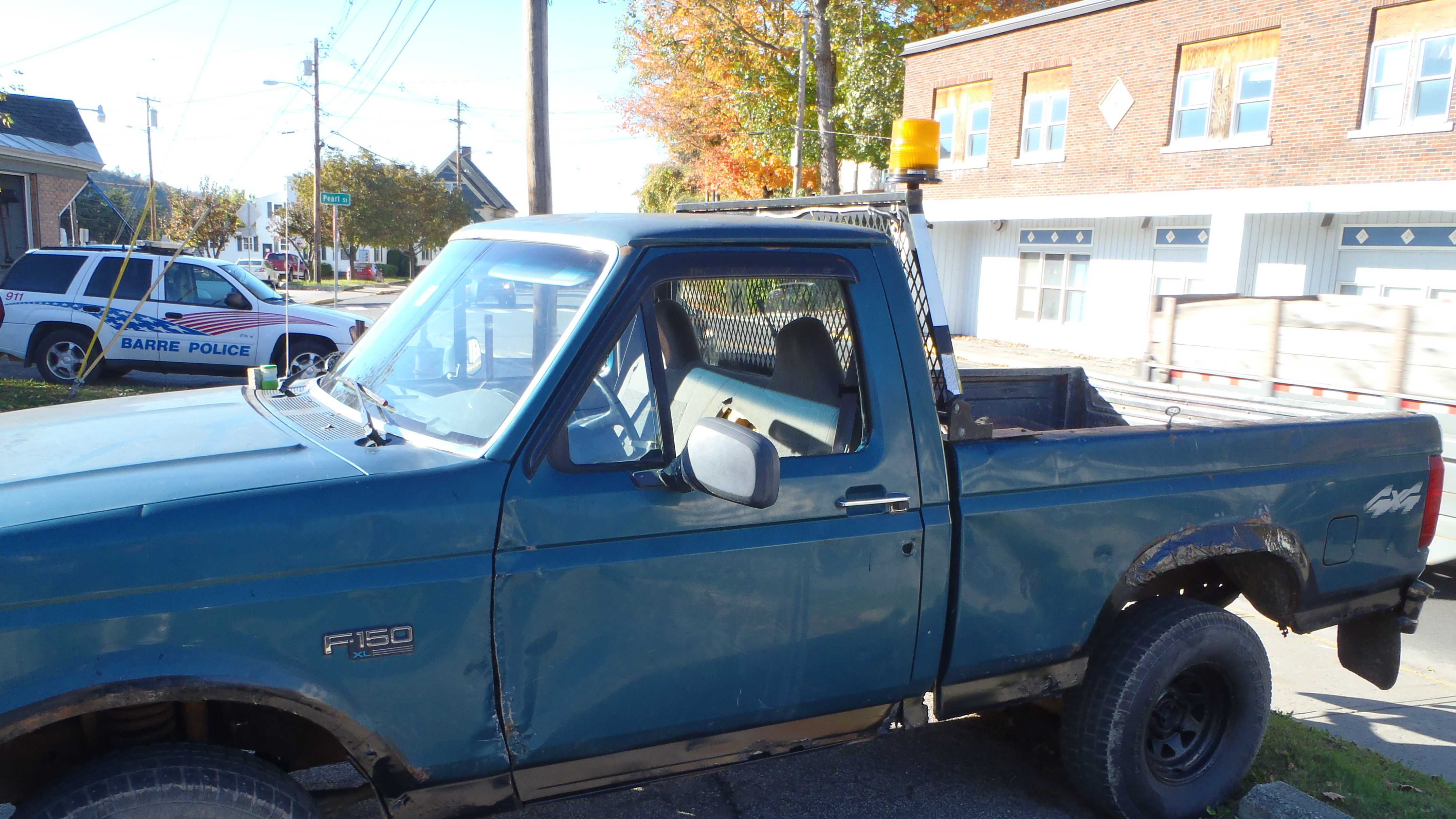 10-10 Police: Widespread burglaries may be linked - truck - img
