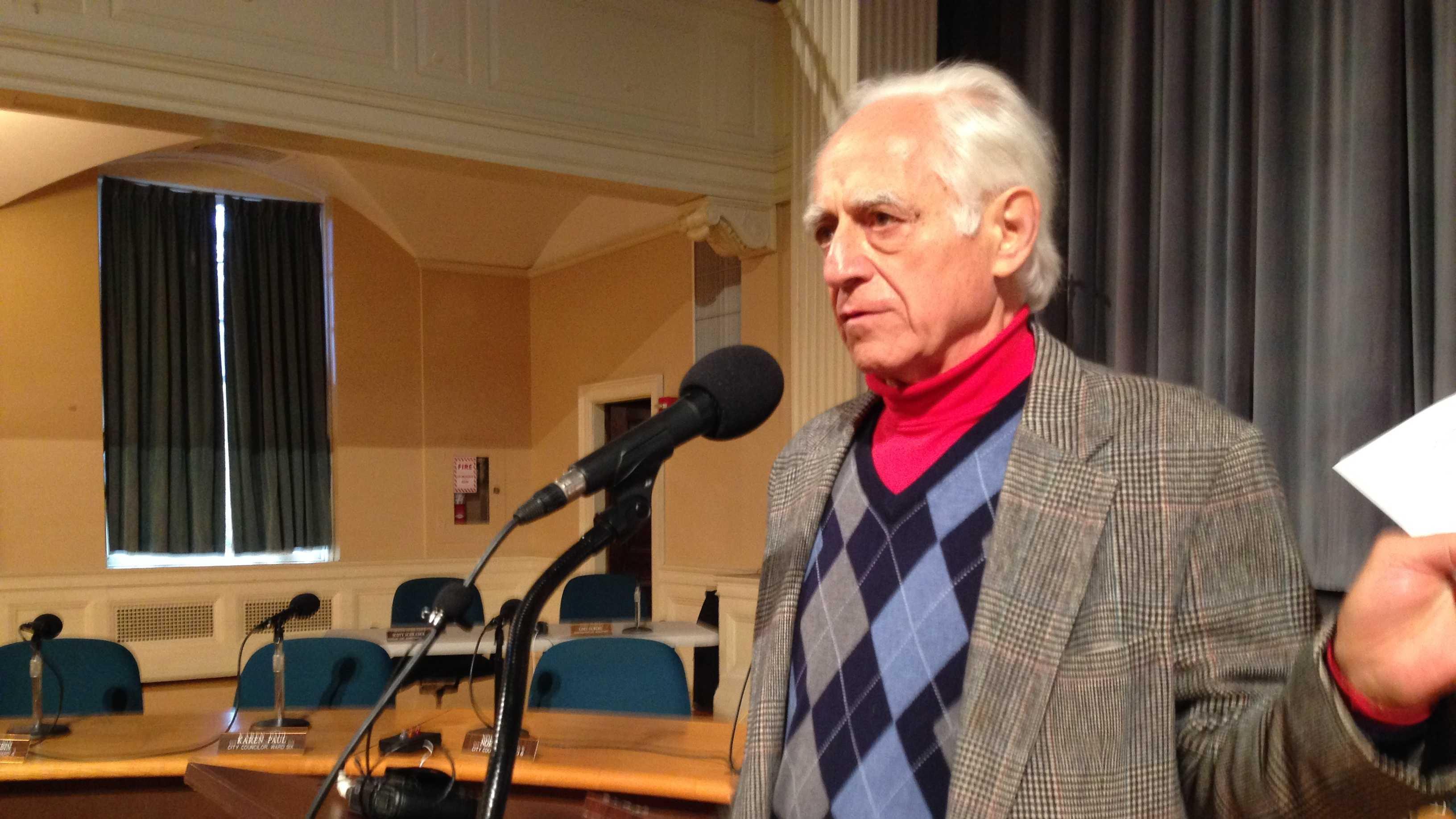 Pierre Sprey, speaking at Burlington City Hall Wednesday.