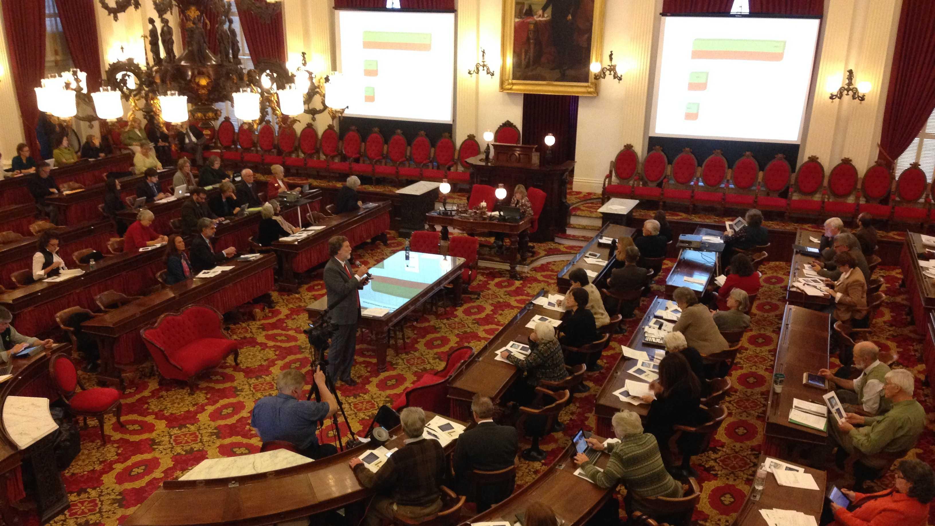 State economist Tom Kavet addresses state lawmakers Wednesday.