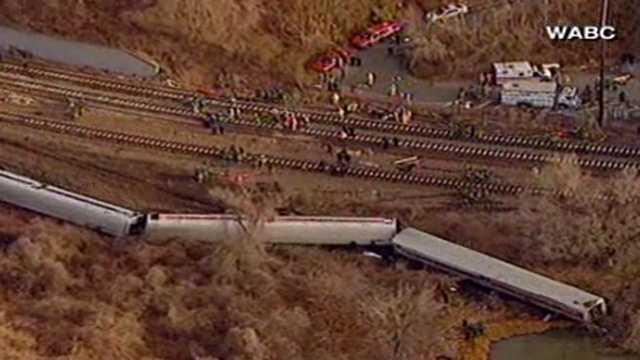 New York train derailment 4