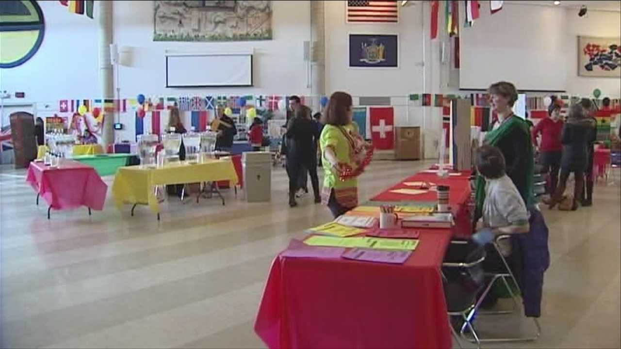 Students explore study abroad, courses and internship options