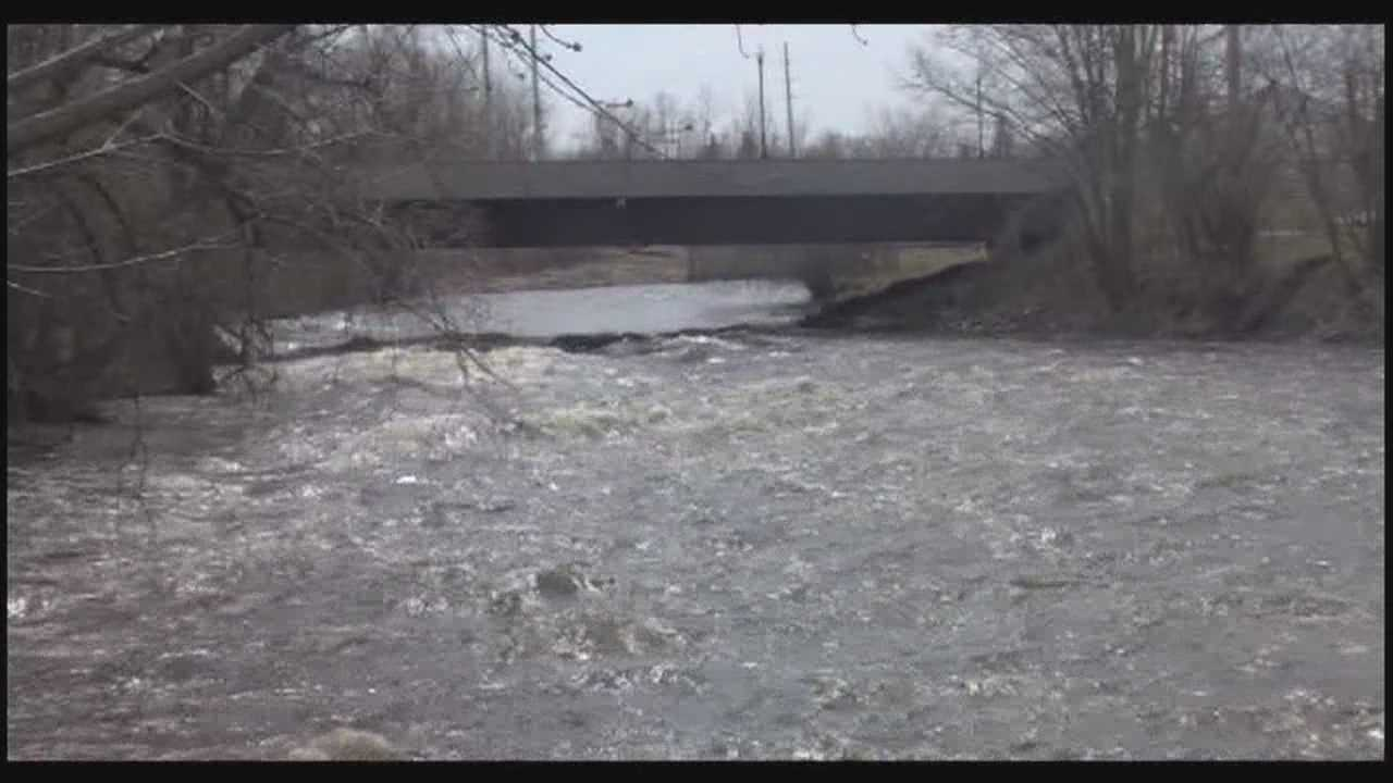 Crews monitor river levels