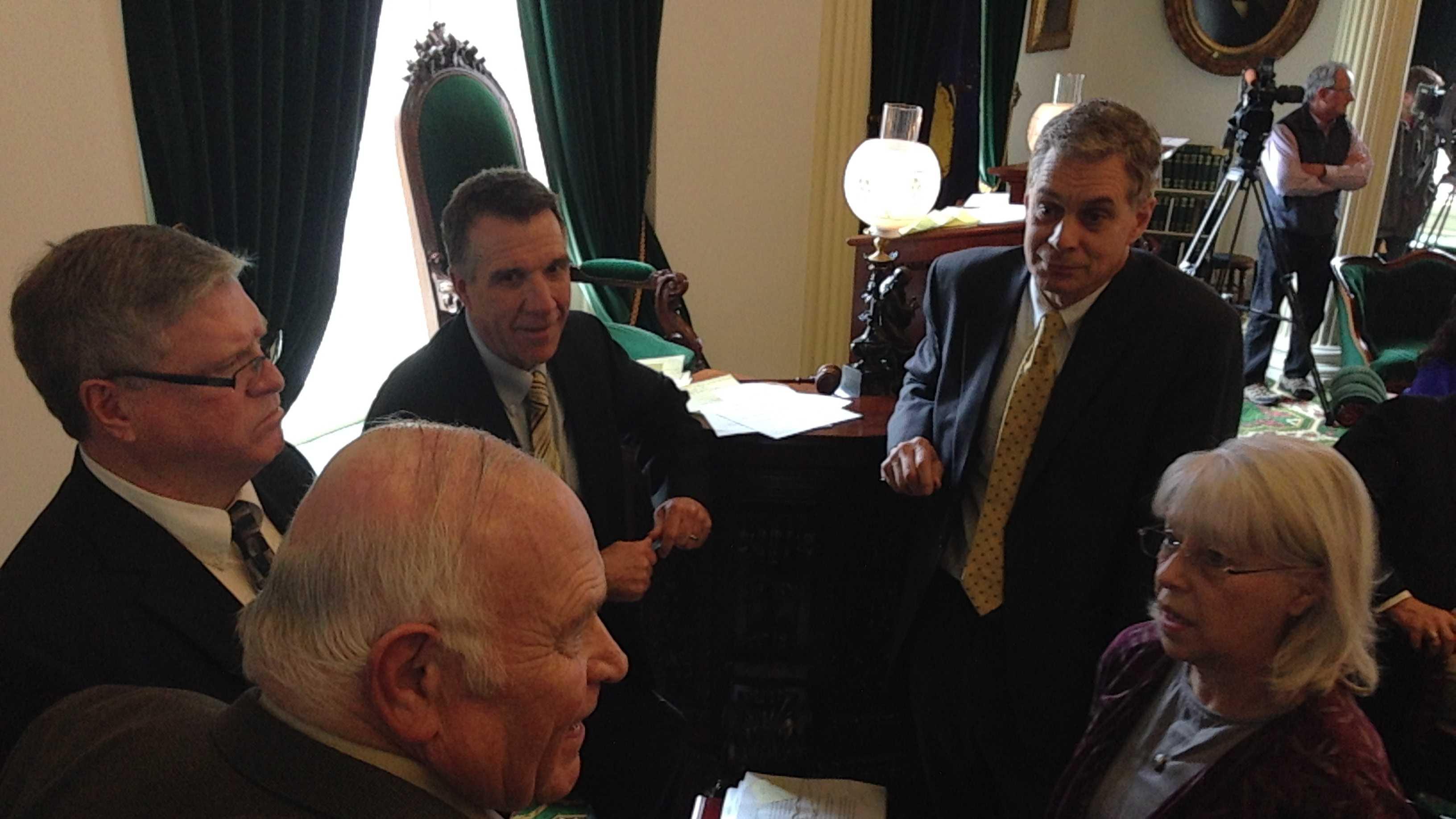 Senate postpones cell phone vote
