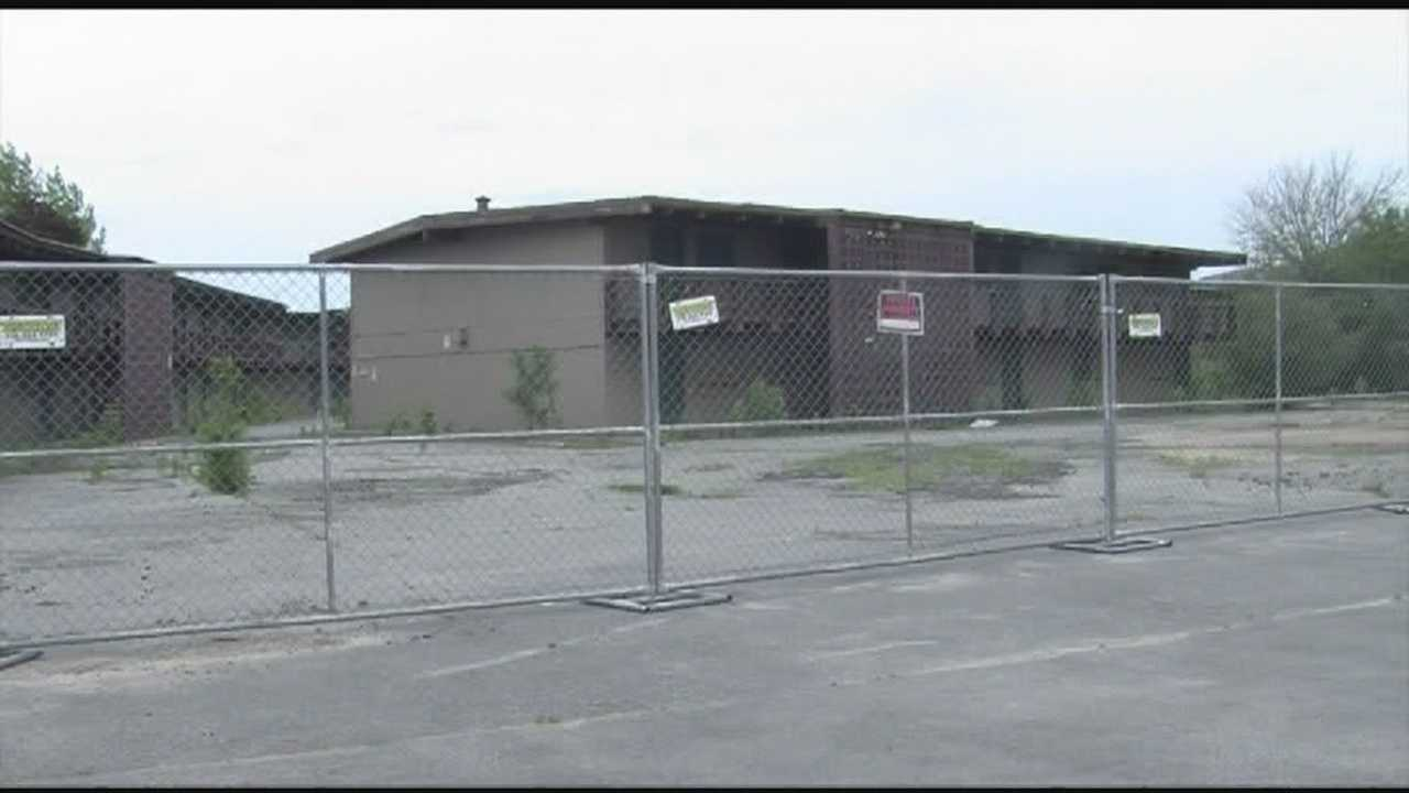 Landlord , mayor consider options at flood ravaged vacant building