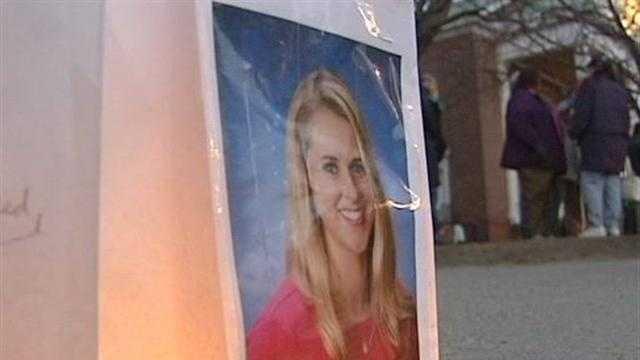 img-Candlelight vigil held for slain teacher