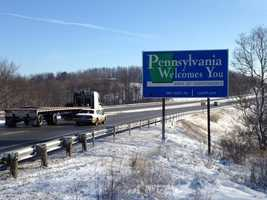A sign welcoming drivers to Pennsylvania.