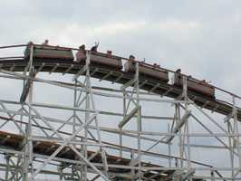 The ride reaches a maximum height of 70 feet, and has a drop of 95 feet.