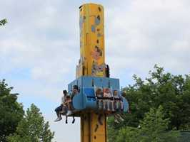 Pounce Bounce is a kiddie version of the Pitt Fall (retired in 2011) that bounces riders up and down the tower.