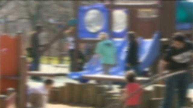 img-children at playground