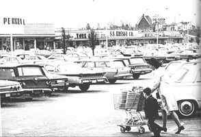 1960 - A packed Miracle Mile, open for business.