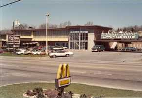 1970s - The nightclub/restaurant/hotel used to be a premiere attraction for top acts of its day.