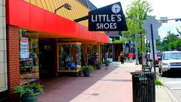 The new location for Little's Shoes on Forbes Ave.  This photo is looking west toward Murray Avenue.