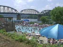 Sandcastle: Has a bar area near one of the pools where alcohol is available for purchase. Visitors cannot bring their own alcohol into the park.