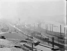 A look at the Jones and Laughlin steel mills in Pittsburgh&#x3B; photo was taken in the early 1900s.