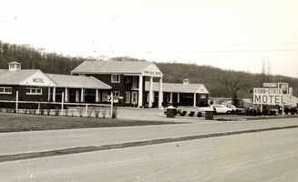 October 1953: Groat's Penn-State Motel on Route 30, 1/4 west of the Pennsylvania Turnpike.  It has since been demolished.
