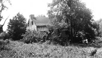 Mt. Lebanon can trace its roots back to the early 1800s and possibly even the late 1700s. This is considered to be the oldest home in Mt. Lebanon, the Hugh Jackson house on Orchard Lane. It dates to about 1808 -- although it could be as old as 1794, as it was mentioned in reports of the Whiskey Rebellion.