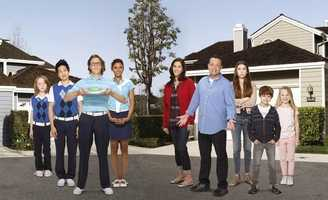 ABC's Premiere Week debuts September 24th.  The lineup of new fall shows starts off with The Neighbors, a half-hour comedy about the Weavers.  The Weavers move to a gated community called Hidden Hills and the residents there are a little...different.