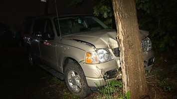 It hit a tree near the corner of Dodds Street and Potomac Avenue at about 2:45 a.m.