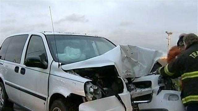 Car avoids deer, slams into tree in Mt. Pleasant