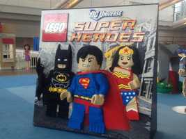 DC Universe Super Heroes: Batman, Superman, Wonder Woman
