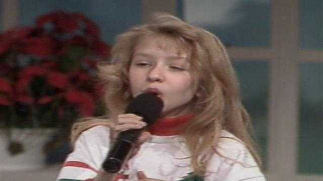 Christina Aguilera singing Silent Night at WTAE in 1991