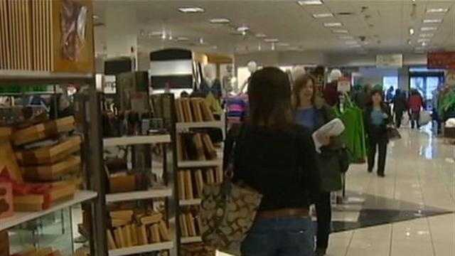 Last minute shoppers headed to the Monroeville Mall the weekend before Christmas