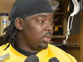 The Steelers signed nose tackle Steve McLendon to a new three-year deal to remain in Pittsburgh.