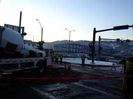 A broken water main on a frigid Thursday morning blocked part of the Parkway East and shut down Fort Pitt Boulevard in Downtown Pittsburgh.