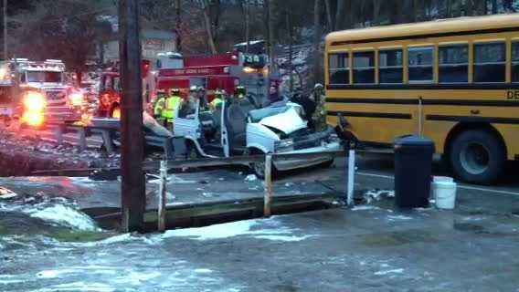 school bus crash 01
