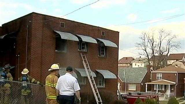 Good Samaritan notices fire across street, gets residents out