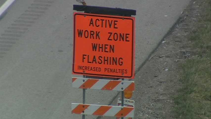 Active work zone sign