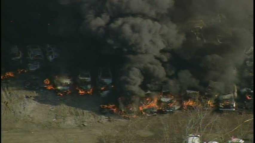 salvage yard fire 03