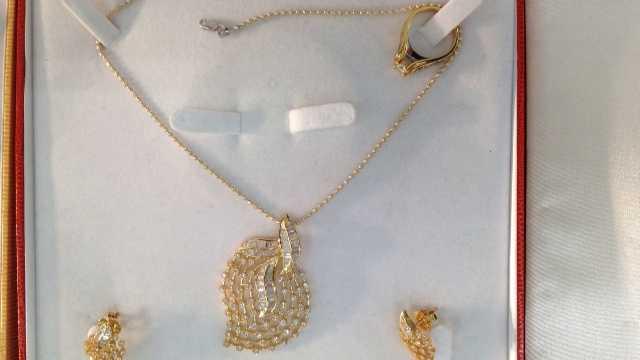Jewelry stolen 13