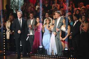 "TOM BERGERON, INGO RADEMACHER, LISA VANDERPUMP, DOROTHY HAMILL, KRISTI YAMAGUCHI, SEAN LOWE, ALEXANDRA RAISMAN - The entire celebrity cast returned on the two-hour Season Finale of ""Dancing with the Stars the Results Show,"" (ABC/Adam Taylor)"