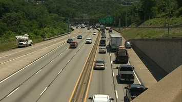 2. I-376 Parkway West from the SR 22/30/60 Interchange to the Fort Pitt Bridge downtown. This congested corridor costs rush-hour drivers 142 hours, 61 additional gallons of gas, and $2,608 annually or $50 weekly.