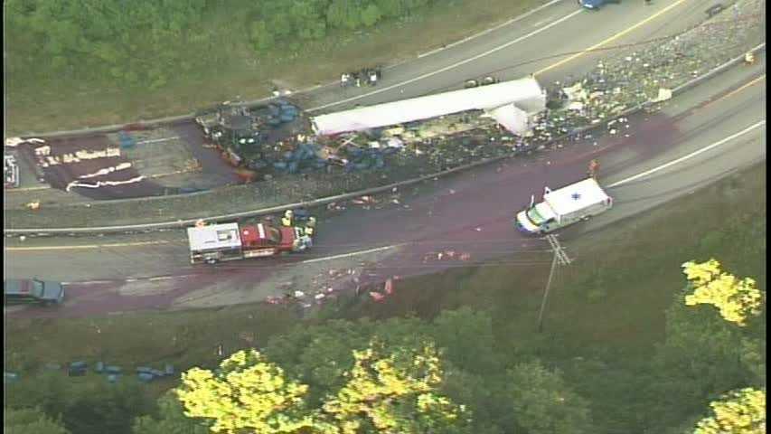 Tractor-trailer crash 07