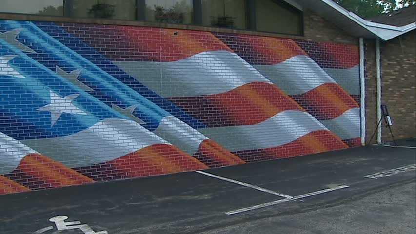 Doug Vitale American flag mural