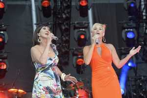 """PAM TILLIS & LORRIE MORGAN - The summer's hottest television music event, """"CMA Music Festival: Country's Night to Rock,"""" (Photo: ABC/Jon LeMay)"""