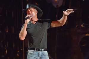 """TIM MCGRAW - The summer's hottest television music event, """"CMA Music Festival: Country's Night to Rock,"""" (Photo: ABC/Jon LeMay)"""