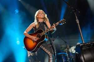 """SHERYL CROW - The summer's hottest television music event, """"CMA Music Festival: Country's Night to Rock,"""" (Photo: ABC/Jon LeMay)"""
