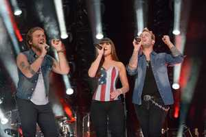 """GLORIANA - The summer's hottest television music event, """"CMA Music Festival: Country's Night to Rock,"""" (Photo: ABC/Jon LeMay)"""