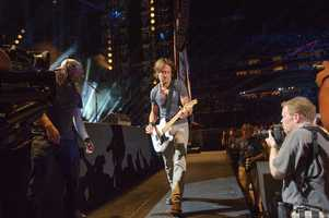 """KEITH URBAN - The summer's hottest television music event, """"CMA Music Festival: Country's Night to Rock,"""" (Photo: ABC/Jon LeMay)"""