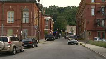 "Reports of a man on a roof with ""a small machine gun"" brought a large Pittsburgh police response to De Ruad Street."