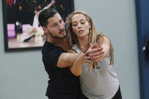 "VAL CHMERKOVSKIY & ELIZABETH BERKLEY LAUREN - This season's dynamic lineup of stars -- including a sitcom legend, a reality mega-star, a football champion and a pop music sensation - will perform for the first time on live national television with their professional partners during the two-hour season premiere of ""Dancing with the Stars. (Photo Credit: ABC/Rick Rowell)"