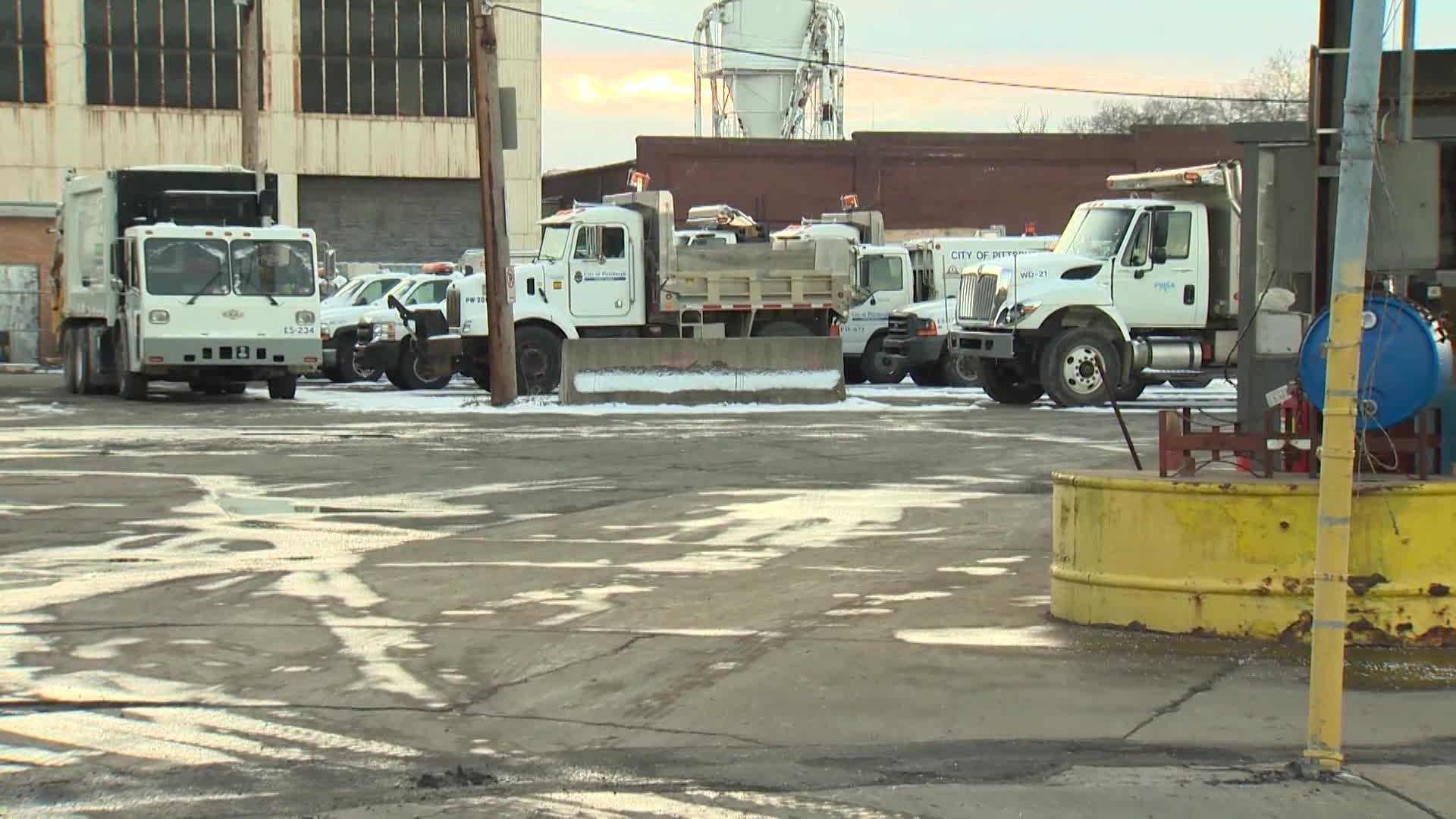 city of Pittsburgh snow trucks