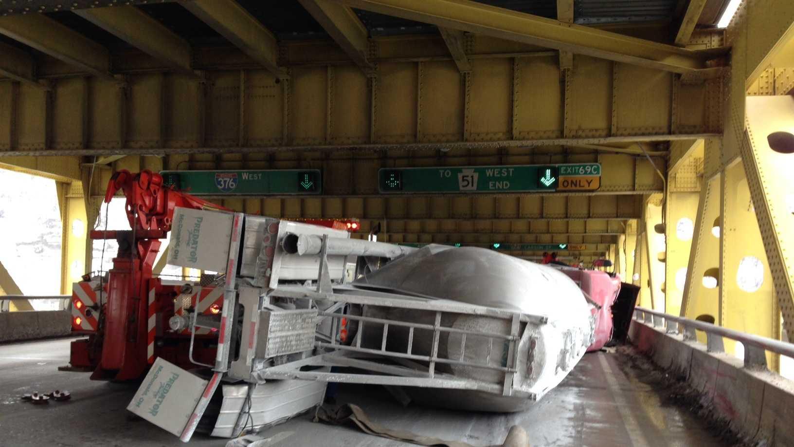 Fort Pitt Bridge crash
