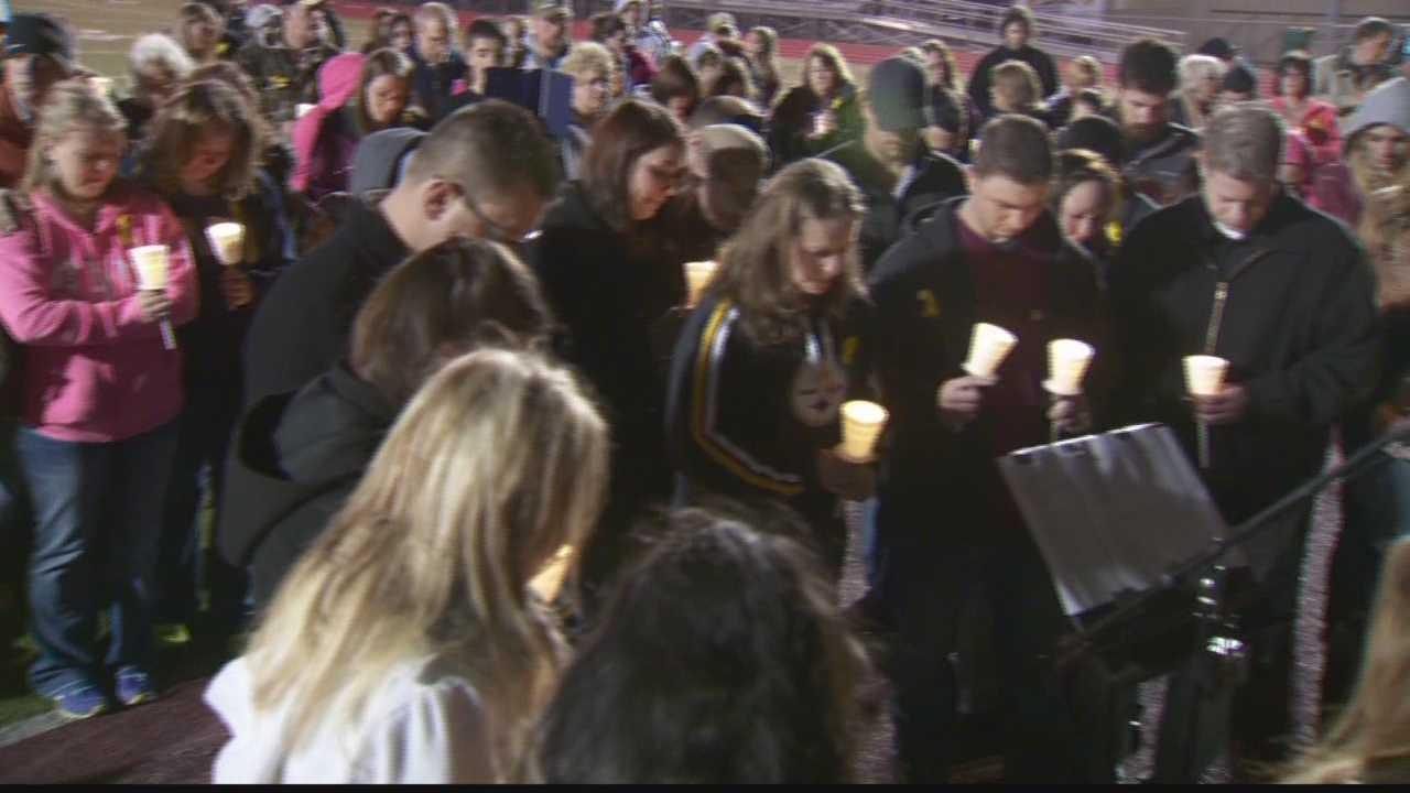 Vigil held for man unaccounted for in Washington state mudslide